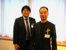 野口新会長(右)と千葉前会長